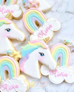 Ever popular unicorns and rainbows. Rainbow Unicorn Party, Rainbow Birthday, Birthday Fun, Birthday Ideas, Unicorn Themed Birthday, Unicorn Birthday Invitations, Rainbow Sugar Cookies, Unicorn Foods, Unicorn Cookies