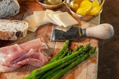 board of traditional Italian Antipasto. meat, cheese, veggies Italian Antipasto, Antipasto Platter, Food Styling, Asparagus, Cheese, Traditional, Meat, Vegetables, Board