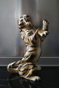 Tigre de cerámica Kitsch-  El Desván de Bartleby C/. Niebla 13. Sevilla 41011