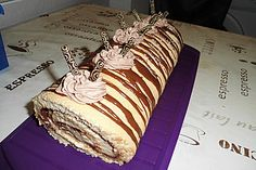 Sponge cake roll with Nutella – cappuccino cream - recipes Limoncello, Blackberry Cupcakes, Sponge Cake Roll, Nutella Muffins, German Baking, Brunch Buffet, Birthday Cakes For Women, Caramel Cookies, Dream Cake