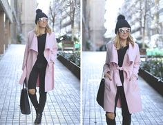 ALL BLACK EVERYTHING   PINK COAT  Look with ripped jeans pink coat fashion blogger street style