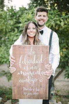 American Wedding www.romeosyjulietas.es Foto de Love Me Tender www.lovemetenderphoto.com #cartelería #Wood #carteleriabodas #hapiness