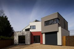 Essex House : Modern houses by Frost Architects Ltd