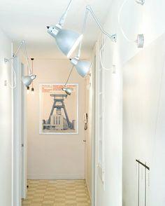 #SantJoan, una vivienda donde el proceso de diseño empezó por dividir la vivienda en dos partes: una privada y una pública. Donde los nuevos recorridos y la iluminación fueron piezas fundamentales para conseguir una nueva percepción espacio. #instapic #instadecor #interiorismo #interiordesign #iluminacion #ilumination #design #instaphoto