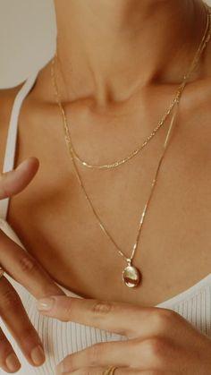 Jewelry Model, Cute Jewelry, Photo Jewelry, Jewelry Trends, Jewelry Accessories, Jewelry Design, Fashion Necklace, Fashion Jewelry, Women Jewelry