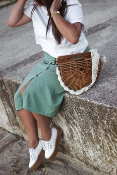 The green ananas, blog mode, blogueuse mode, french blogger, shei, robe gros boutons, sac bambou, anse macramé, pull and bear, crop top, cluse, and other stories, cactus et les nanas, robe à boutons & anse en macramé, ROBE A BOUTONS & ANSE EN MACRAMÉ macramé, anse macramé, bandoulière, the green ananas, blogueuse mode, fashion blogger, jupe boutons, sac bambou