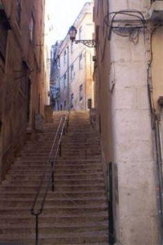 Next stop: Inspiring Lisbon / discover backstreets - Portugal