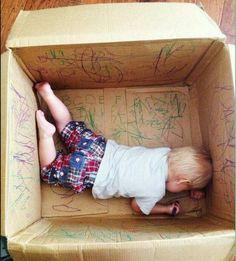 Easy, Cheap and Fun Indoor Activities for Kids Toddler Learning Activities, Indoor Activities For Kids, Infant Activities, Kids And Parenting, Parenting Hacks, Baby Sensory, Toddler Fun, Baby Hacks, Mom Hacks