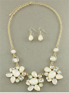 Beautiful Gold and White Beaded Necklace Set