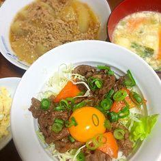 焼肉丼に卵黄を使ったので、 残った卵白は味噌汁の具として利用しました( ◜◡◝ ) - 22件のもぐもぐ - 焼肉丼✡大根のそぼろ煮✡味噌汁 by miuyuwi