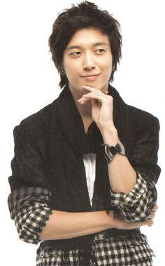 Jung Yong-hwa as Kang Shin Woo -