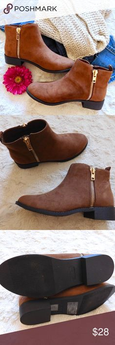 85c88e8ca48a69 Forever 21 Zipper Ankle Boots In excellent used condition with very minor  signs of wear.