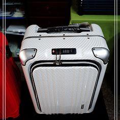 486的  大丈夫週記: 出差旅人最棒的登機箱  LEGEND WALKER 6203 20吋 子母袋 登機箱 - yam天空部落