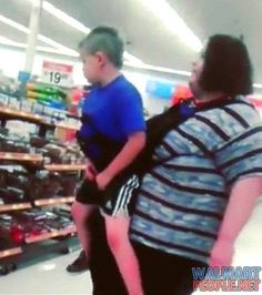 Walmart Cameras Capture Photos That Are Too Shocking To Watch - Page 37 of 45 - TrendFlare.com