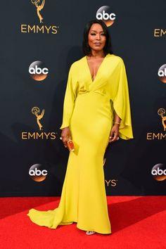 Todos los looks de la alfombra roja de los Emmy 2016 | S Moda EL PAÍS