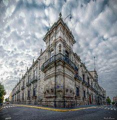 Palacio de Gobierno Guadalajara, Jalisco. México (esquina calles Corona, entrada principal a Palacio y Morelos)