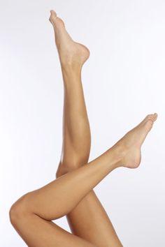 What Causes Varicose Veins Varicose Vein Remedy, Varicose Veins Treatment, Human Body Organs, Sexy Legs And Heels, Body Hacks, Female Feet, Women's Feet, Laser Hair Removal, Beautiful Legs