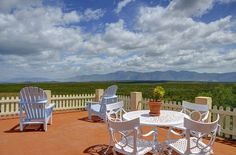 Situated atop a hill overlooking Walker Bay and Hangklip with Cape Point in the far distance, this magnificent Mediterranean villa offers luxury self-catering accommodation for families or couples – the perfect retreat from city life.