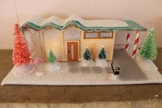 DIY Christmas village house #9 - Palm Springs rick rack roof - download our free pattern - Retro Renovation : midcentury-putz-house