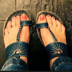 Sandalias mod.ibizas en piel y  suela de yute altura de cuña 6cm