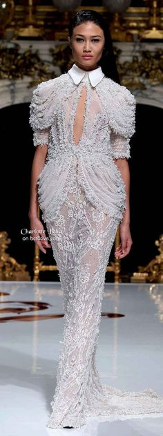Charlotte Licha Spring 2014 Couture features gorgeous formal evening gowns and dresses that are feminine with an element of the sensual. Beautiful Gowns, Beautiful Outfits, Beautiful Clothes, Dress Robes, Dress Up, Couture Fashion, Runway Fashion, Black White, Nice Dresses
