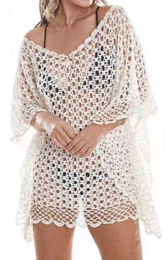 Beautiful blouse or poncho in crochet that you will want . Beautiful blouse or poncho in crochet that you will want . Crochet Cardigan, Crochet Shawl, Crochet Stitches, Knit Crochet, Crochet Patterns, Mode Crochet, Crochet Pillow, Crochet Woman, Crochet Videos