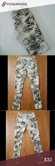 ☇FLASH SALE☇Rock & Republic Jeans Rock & Republic jeans. Style Berlin  Size 2M New without tags. Rock & Republic Jeans Skinny