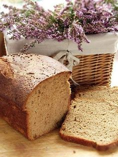 LAVENDER BREAD recipe: lavender -- raises spirits and prevents bad decisions resulting from fatigue or depression.Claire's recipes from GARDEN SPELLS- Rose Petal Scones, Stuffed Pork Tenderloin, Dandelion Quiche, Mint Jelly, and Chive Blossom Vinegar Lavender Bread Recipe, Lavender Recipes, Spelt Recipes, Bread Recipes, Cooking Recipes, Scone Recipes, Garden Spells, Yummy Food, Tasty