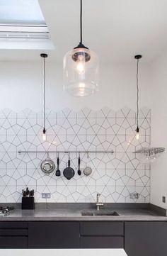 Cool 58 Amazing Home Kitchen Tile Design Ideas 2018. More at https://homedecorizz.com/2018/03/09/58-amazing-home-kitchen-tile-design-ideas-2018/