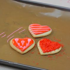 Easy suggestions for decorating sugar cookies with small candies or sprinkles.