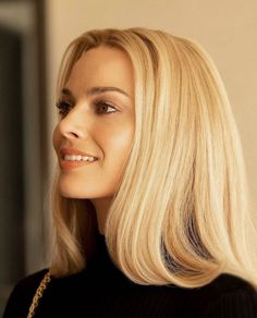 Margot Robbie as Sharon Tate in Once Upon a Time in Hollywood. Margot Robbie as Sharon Tate in Once Upon a Time in Hollywood. Black With Blonde Highlights, Blonde With Dark Roots, White Blonde Hair, Dyed Blonde Hair, Dark Blonde, Hair Dye, Margo Robbie, Margot Robbie Style, Hair Inspo