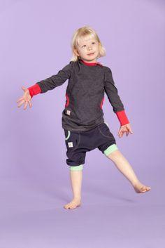 Jenni J.J. Short Pants- Carbon/Apple  www.jennijj.fi