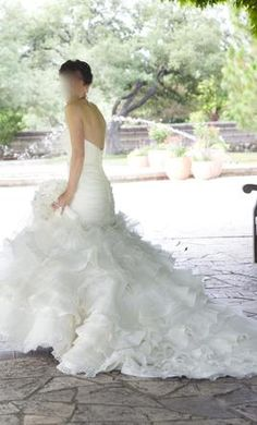 Lazaro 3050: buy this dress for a fraction of the salon price on PreOwnedWeddingDresses.com