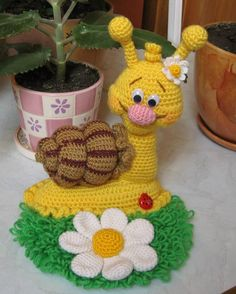 Diy Crafts - Looking for amigurumi toy models that will make you most happy in What do you say to the cute playmates of the little ones woven wi Crochet Escargot, Crochet Snail, Crochet Fish, Cute Crochet, Crochet Flowers, Crochet Patterns Amigurumi, Crochet Dolls, Amigurumi Tutorial, Stuffed Animal Patterns