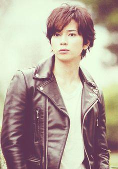 Seiji's face. (Young matsujun)
