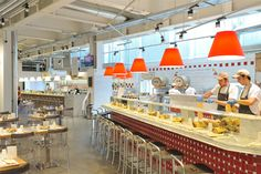 Costanza lights up the Eataly Rome restaurant