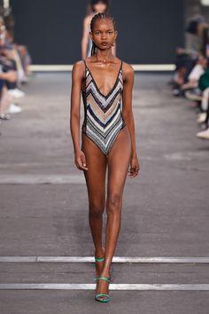 Missoni, Fashion News, Fashion Beauty, Milan Fashion, Fembois, Vogue, Fashion Show Collection, Catwalk, Bikinis