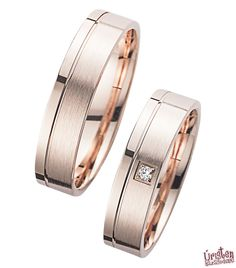 Beautiful wedding rings in rose gold classic style. Flattened, this design is very simple and offers through the rose gold daring and yet very successful accents. by ✔ Juwelier-Goldhaus.de Source by shvetta Engagement Rings Couple, Couple Rings, Wedding Rings Simple, Beautiful Wedding Rings, Diamond Bands, Diamond Wedding Bands, Copper Accessories, Delicate Rings, Womens Jewelry Rings