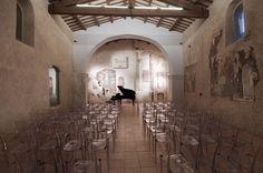 Konzerte und Events, Feierlichkeiten ... alles ist in diesem Borgo und der kleinen Kirche möglich.