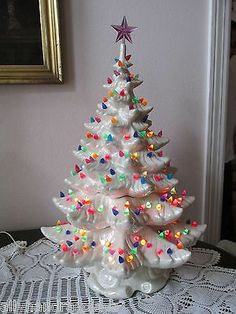 "Kitschy Christmas - Vintage White Pearl Atlanctic Mold Ceramic Christmas Tree 25"" Tons of Lights 