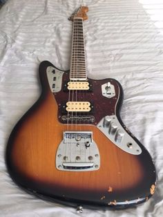I am selling this amazing Jaguar Kurt Cobain road-worn finish, amazing look and sound thanks to its