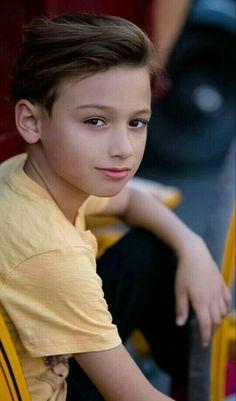 Young Cute Boys, Cute Kids, Handsome Kids, Teenage Boy Fashion, Beauty Of Boys, Boy Celebrities, Cute White Boys, Boy Models, Photographing Kids