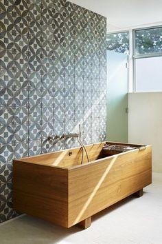 ofuro tub with cement tile wall. Japanese tubs are designed to be soaking o. - Janjira Leluk -Teak ofuro tub with cement tile wall. Japanese tubs are designed to be soaking o. Home, Wooden Bathtub, Modern Bathroom, Japanese Bathroom, Wood Tub, Bathroom Decor, Beautiful Bathrooms, Japanese Soaking Tubs, Bathroom Inspiration