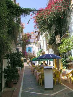 Marbella Patio restaurant on the right and Patio de Mariscal on the left. Vacation Destinations, Dream Vacations, Puerto Banus, Malaga Spain, Spain Travel, Summer Travel, Places To See, Beautiful Places, Around The Worlds