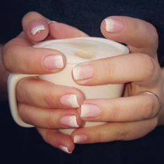 A beautiful day begins with a good cup of coffee!#cndshellac #flirtation #collectie #zomer2016 #dipping in #cream #pinkpursuit #creampuff #nagels #naturalnails #doetinchem #brisalitesmoothinggel #cndcertifiedpro #manicure #nailart