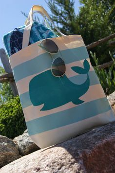 The Life of a Craft Crazed Mom: Whale Beach Tote