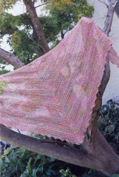 shawls patterns to knit Loom Knitting, Free Knitting, Knitting Patterns, Prayer Shawl Patterns, How To Purl Knit, Scarf Hat, Knitted Shawls, Knitting Projects, Sewing Crafts