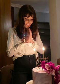 Cute Birthday Pictures, Happy Birthday Photos, Happy Birthday Girls, Bday Girl, Birthday Angel, Estilo Ivy, Birthday Party Photography, Girl Photography Poses, Girl Poses