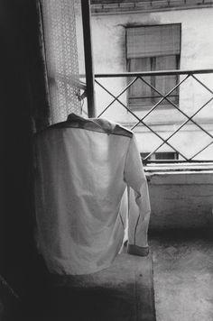 greeneyes55:  Paris 1959 Photo: Sergio Larrain
