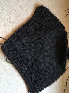 Klik for at se et større billede Crochet Bikini, Knit Crochet, Drops Design, Cowls, Knitted Hats, Hands, Knitting, Women, Fashion